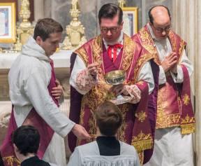 Comunhão no rito romano tradicional