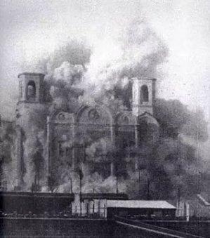 Igreja queimada por comunistas no século passado